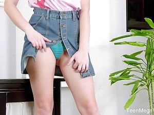 Busty amateur teen babe Gretta takes off say no to skirt and masturbates