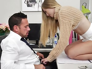Obsessed with coition babe Jenni Jordan seduces her boyfriend workaholic