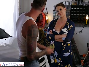 Killing hot milf in big boobs Ryan Keely bangs handsome auto mechanic