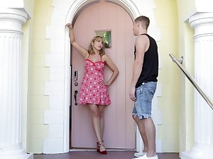 dazzling blonde Amber Chase adores crawling on a friend's penis