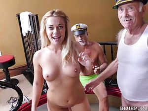 Kenzie Green gets pounded by Papa
