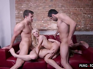 Game of Seductions Episode 3 with Kenzie Reeves