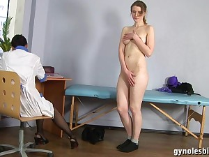 Doll Gynecologist Physician Turns Tall Woman Forth Lesbo Activity