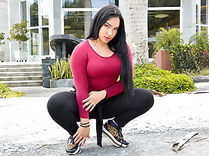 Alondra in Super Thicc Latina Lovemaking - OyeLoca